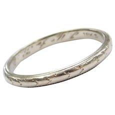 Edwardian 18k White Gold Etched Wedding Band Ring