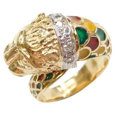 18k Gold Lion Ring with Colorful Enamel and White Quartz Collar