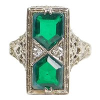 Art Deco Green Spinel and Diamond 14k White Gold Filigree Ring