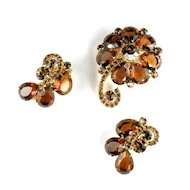 Juliana Topaz Rhinestones Flower Brooch and Earrings Vintage Set by DeLizza and Elster