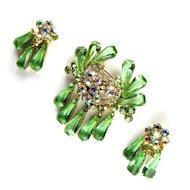 DeLizza and Elster Green Rhinestones Dangles Juliana Brooch and Earrings Vintage Set