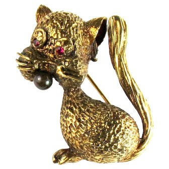 Gold 18K Textured Ruby Eyes Onyx Nose Cat Vintage Brooch