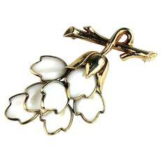 Vintage Trifari White Molded Milkglass Leaves Fashion Blossom Brooch Pendant