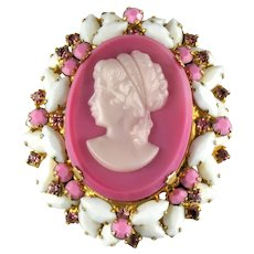 DeLizza and Elster Juliana Pink and White Cameo Vintage Brooch