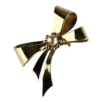 Coro Goldtone Imitation Pearl Vintage Bow Brooch