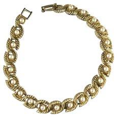 Vintage Goldtone Imitation Pearl Rope Edge Bracelet