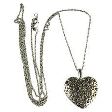 Vintage Avon Heart Cutout Design Pendant Necklace