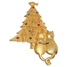Cats Christmas Tree with Fish ornaments - JJ brooch pin