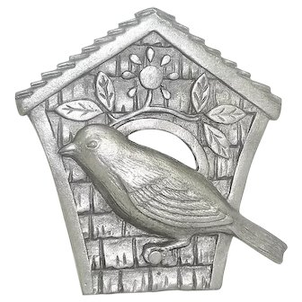 Birdhouse Bird  -  Large Spoontiques pin