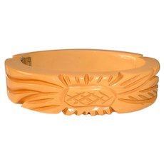 Vintage Cream Colored Carved BAKELITE Hinge Clamper Bracelet