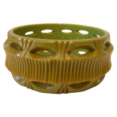 Green Carved and Pierced Wide BAKELITE BANGLE