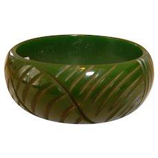 Vintage Green Carved BAKELITE Bangle Bracelet
