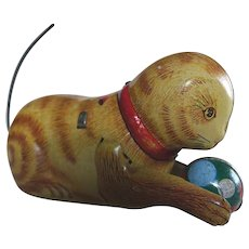 Old Tin Plate Cat with Ball Wind-Up Clockwork Clock Work with KEY