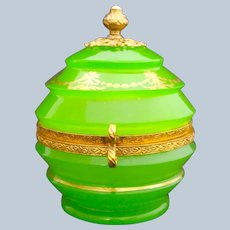 Exceptional Quality Palais Royal Green Opaline Glass Box with Perfect Gilding.
