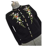 WONDERFUL Vintage Womens Black Cardigan Sweater Embroidered 2D Flowers Med-Lg