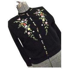 WONDERFUL Vintage Womens Black Cardigan Sweater Embroidered 2D Flowers Med-Lg