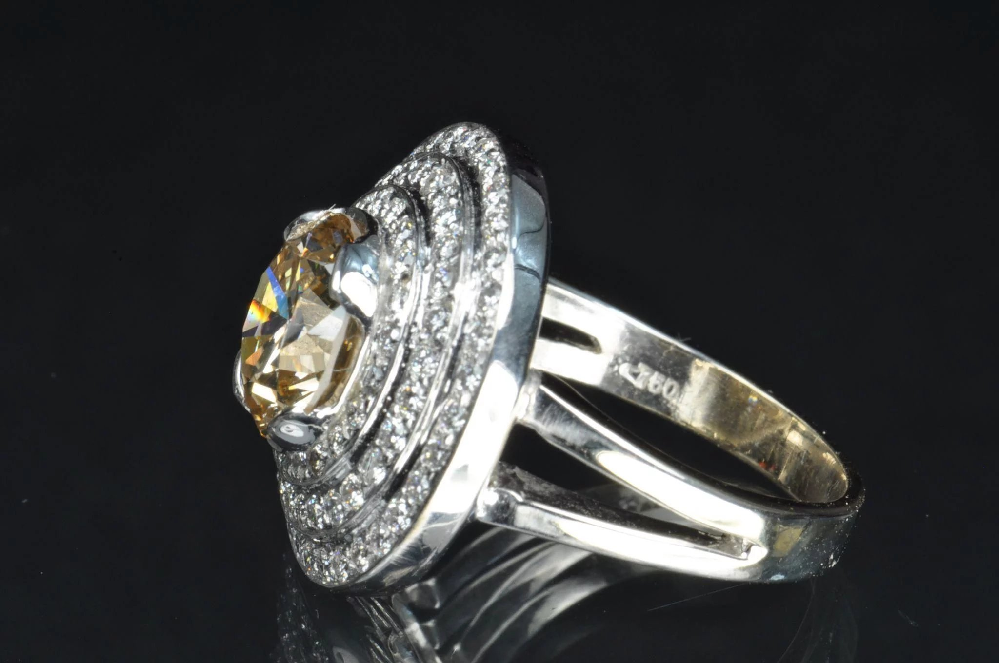 4 39 Carat Fancy Yellow Brown Diamond Ring 3 22 Carat
