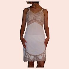 Vintage 1960 Movie Star Full Slip White with ecru lace NEW NOS size 32