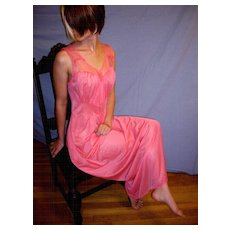 Vintage 1950 Nightgown Luxite by Holeproof HOT PINK NEW NWT NOS Size 34 / 36