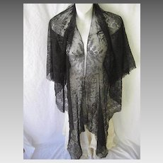 Exquisite Antique Chantilly Lace Long Shawl