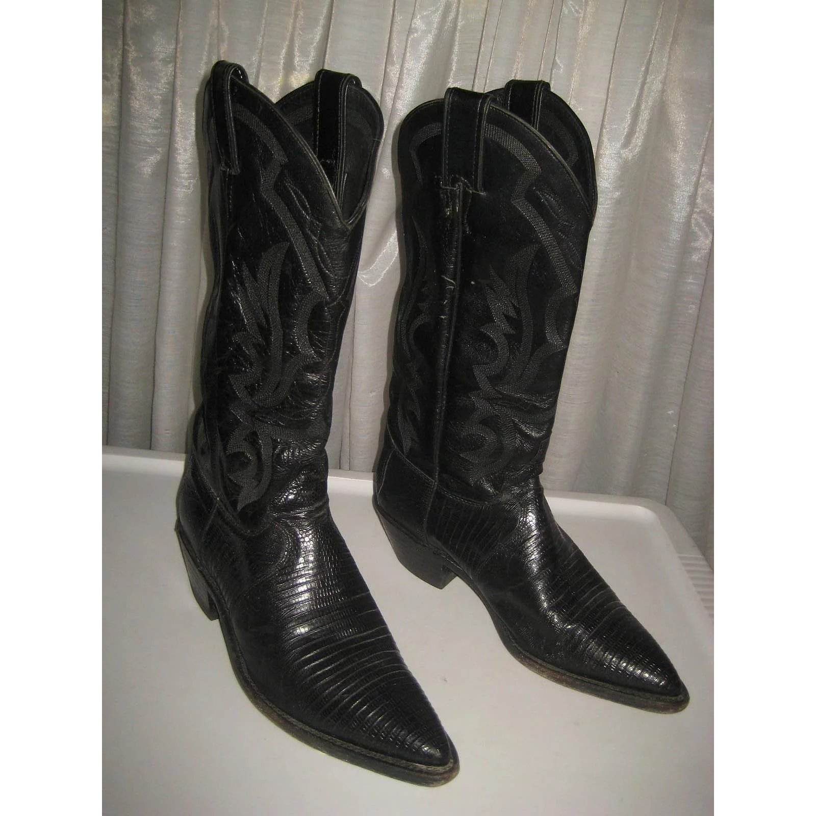 8c0720a4449d Used Justin Women s Cowboy Boots-Black Lizard   Leather-8 1 2 B   Victorian  Dreams