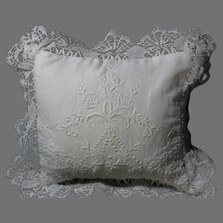 Vintage Paper White Hand Embroidery Lace Wedding Ring Pillow