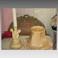 Vintage Ecru Boudoir Lamp with Two Cherubs & Original Silk Shade-1 of 2
