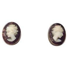 Sweet little 18K Gold Cameo Earrings