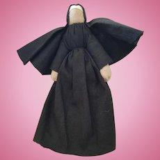 """Vintage 5 1/2"""" Primitive Cloth Nun Doll"""