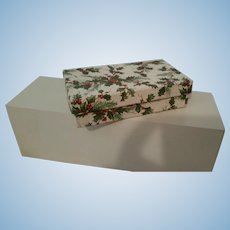 "Vintage Holly Box 5.5"" x 3"""