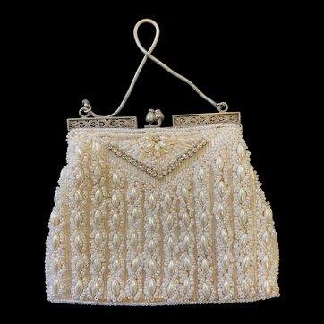 Beautiful Vintage Pearl & Diamonte' Purse