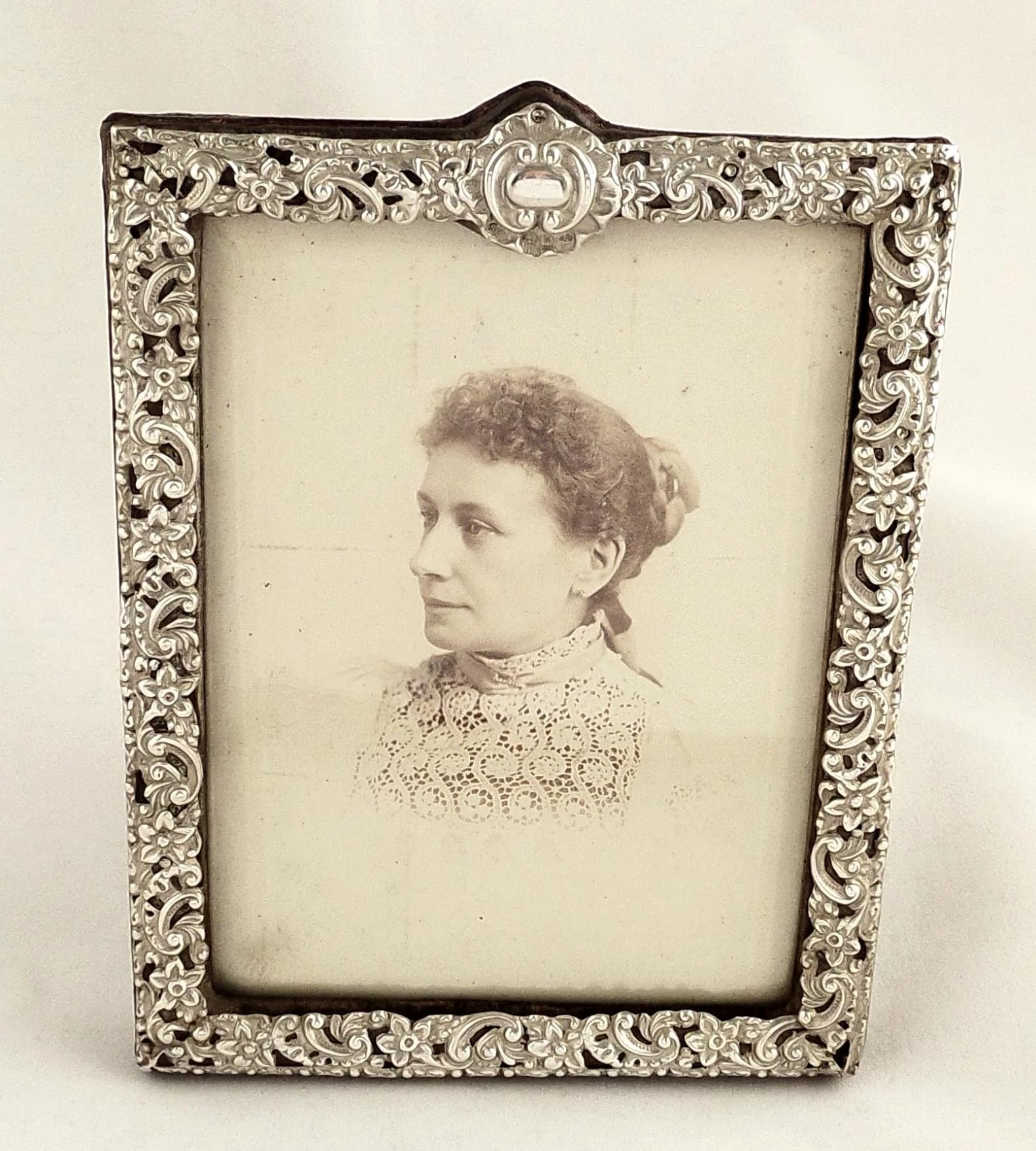 Antique Victorian Sterling Silver Photo Frame 1896 : Robert Bush ...