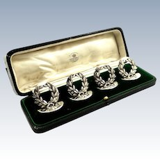 Set of 4 Antique Sterling Silver Laurel Wreath Menu / Card Holders in Case 1913 - Mappin & Webb