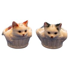 Cat In Basket Salt Salt And Pepper Shakers