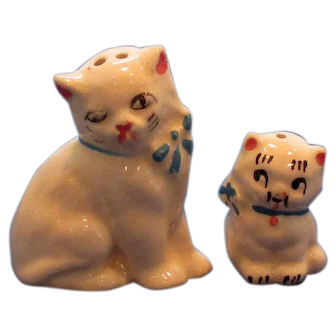 Vintage Momma Cat and Kitten Salt and Pepper Shakers