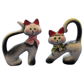 Vintage Whimsical Cat Salt and Pepper Shakers
