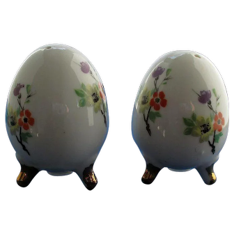 Vintage Enesco Eggs With Flowers Salt and Pepper Shakers