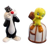 Warner Bros Sylvester and Tweety Bird Salt and Pepper Shaker Set
