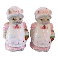Large Cats in Dress and Apron Salt and Pepper Shakers