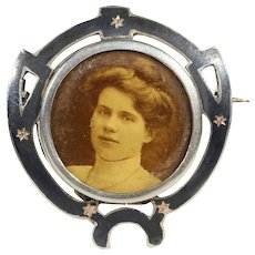 Victorian Niello Frame Brooch Pin with Instant Ancestors