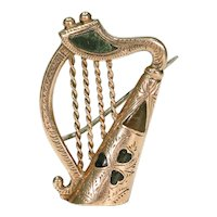 Antique Connemara Marble Gold Scottish Harp Brooch Pin