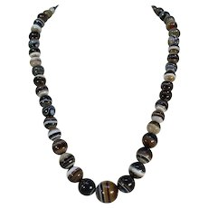 Victorian Banded Agate Graduated Bead Necklace