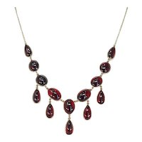 Stylish Edwardian Garnet Necklace Plumy Cabochon Drops