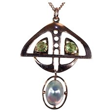 Art Nouveau Peridot Mother of Pearl American Gold Pendant