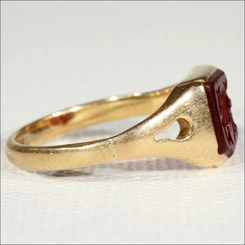 how to tell what decade gold carnelian rings made