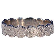 Wonderful Vintage Line of Hearts Wedding Band Ring Engraved Size 6.5 18k Gold