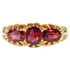Unusual Edwardian 3 Garnet Ring 18k Gold Hallmarked 1904