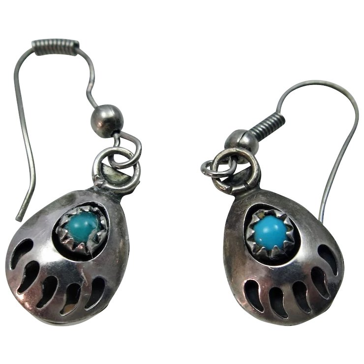 Lovely Pair Of Vintage Turquoise Bear Claw Earrings