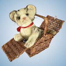 Wicker Basket ~small with hinged lid