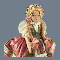 Tradition Hungarian costume~Beautiful Maiden Vintage Cloth doll  8.5 inches